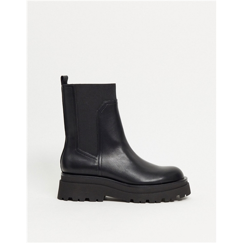 Stradivarius chunky sole chelsea boots in black